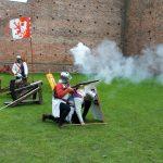 Fundacja młodzi ludziom Zamek w Oporowie i Łęczycy 8