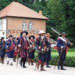 Fundacja młodzi ludziom Zamek w Oporowie i Łęczycy 18